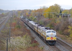 Deadheading towards the D&H (Michael Berry Railfan) Tags: cp canadianpacific cp40b cp40b24 train passengertrain beaconsfield montreal quebec vaudreuilsub emd gmd fp9a fp9 funit