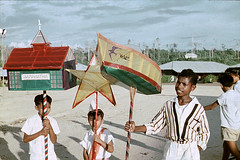 BD_171_635b 30 april 1959 (Stichting Papua Erfgoed) Tags: koninginnedag papua westpapua papuaheritagefoundation stichtingpapuaerfgoed irianjaya voormalignederlandsnieuwguinea