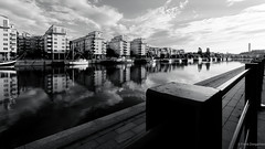 Throwback 2017 - Stockholm (frankdorgathen) Tags: urban alpha6000 sony sony1018mm monochrome blackandwhite schwarzweiss schwarzweis reflection spiegelung geländer railing gebäude building hafen harbour harbor skandinavien schweden sweden