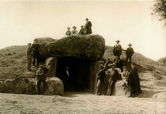 postcard - from hidalgo, Spain (Jassy-50) Tags: postcard spain andalusia antequeradolmenssite antequeradolmens dolmen prehistory archaeology archeology rock people unescoworldheritagesite unescoworldheritage unesco worldheritagesite worldheritage whs blackandwhite blackwhite sepia postcrossing