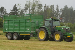 John Deere 6155R Tractor with a Broughan Engineering Mega HiSpeed Trailer (Shane Casey CK25) Tags: john deere 6155r tractor broughan engineering mega hispeed trailer traktor traktori tracteur trekker trator ciągnik silage silage18 silage2018 grass grass18 grass2018 winter feed fodder county cork ireland irish farm farmer farming agri agriculture contractor field ground soil earth cows cattle work working horse power horsepower hp pull pulling cut cutting crop lifting machine machinery nikon d7200 jd green