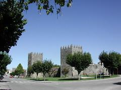 Trancoso: muralhas (Turismo do Centro) Tags: trancoso portugal prt centralportugal travel centrodeportugal turismo tourism viagens viajar história history cultura culture natureza nature