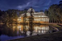 Palacio de Cristal (jetepe72) Tags: anochecer palacio de cristal madrid nocturna reflejos parque retiro night nikon 610