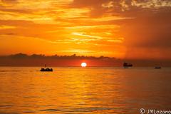 salida del sol (josmanmelilla) Tags: melilla mar amaneceres amanecer sony sol pwmelilla pwdmelilla flickphotowalk pwdemelilla agua nubes