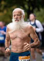 Buff, Bearded Beefcake (Fret Spider) Tags: chicago chicago2018marathon custom getup canoneos5div canon ef 70200mm f28l is ii usm adams race competition costume donor mother dress buff beefcake beard barefoot puddle abraham abe lincoln downtown fall sport blur bokeh bokehdelicious urban