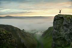 A fine place to do the Highland Fling (PentlandPirate of the North) Tags: yoga winnatspass highlandfling derbyshire castelton dawn