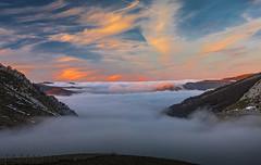 TAPLA IRATI (juan luis olaeta) Tags: paisajes landscape atardecer sunset egunsentia nieblas nubes natura monte mendia photoshop pano photomerge lightroom nature