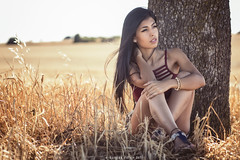 Linda - 1/5 (Pogdorica) Tags: modelo sesion retrato posado chioca sexy linda campo trigal