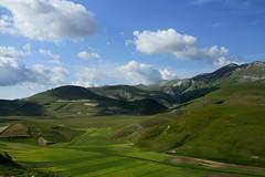 Parco Nazionale dei Monti Sibillini (annalisabianchetti) Tags: umbria italy rural travel mountains montagne clouds nuvole beautiful parconazionaledeimontisibillini
