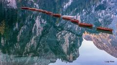Dolomiti - lago di Braies (Luigi Alesi) Tags: italia italy alto adige sudtirol bolzano bozen val pusteria pustertal lago di braies pragser wildsee barche boats riflessi reflections mirror patrimonio dellumanità unesco paesaggio landscape scenery nikon d750 raw