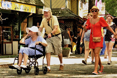 Maryland Renaissance Festival, 2018 (A CASUAL PHOTGRAPHER) Tags: mdrf marylandrenaissancefestival oldpeople elderlypeople handicappedpeople wheelchairs