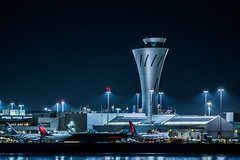 delta domestic terminal ll ll (pbo31) Tags: bayarea california nikon d810 color october 2018 fall boury pbo31 night dark black sanfranciscointernational sfo airport sanmateocounty millbrae aviation plane flight boeing airlline travel delta terminal controltower 737 767 skyteam fog gray