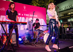 Katelyn Tarver 10/11/2018 #24 (jus10h) Tags: katelyntarver playlisted thegrove losangeles la nylon mag magazine citi privatepass caruso rewards shopping center live music free concert event performance park courtyard female singer young beautiful sexy talented artist nikon d610 2018 october thursday justinhiguchi