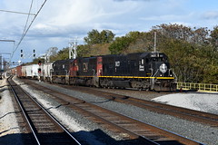Swinging Over (Robby Gragg) Tags: ic sd70 1027 matteson