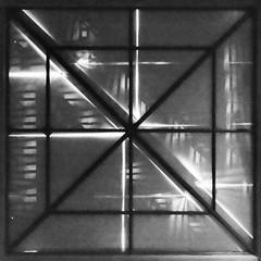 carré n&b (Rudy Pilarski) Tags: nikon tamron thebestoffnikon thepassionphotography top d7100 1020 carre monochrome abstract abstrait forme form minimalisme minimal géométrie geometry géométrique nb bw architecture architectura