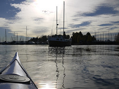 Equlibrium (Päivi ♪♫) Tags: norway oslo sea marine sailingboat blue clouds calm kayak paddling october reflections