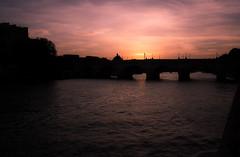 la seine Paris (laurent.triboulois) Tags: fleuve pink paris seine pont tour eiffel