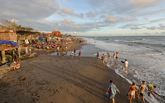 Bali beach life (Roozbeh Rokni) Tags: beach sunsets sunset warm warmlight bali canggu indonesia surf paradise surferparadise roozbehrokni beachlife