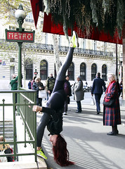 Cara (click100) Tags: metro canon7d canon candid acrobat action lady old stare paris