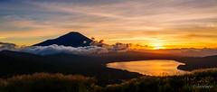 Mount Fuji at golden sunset time (aotaro) Tags: ilce7m3 goldenhour goldensunsettime sunset mtfuji mountfuji fe424105goss yamanakako sunsettime lakeyamanaka