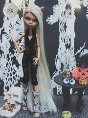 girl for sale (satoriOOAK) Tags: ooak custom customdoll clawdeen clawdeenwolf blonde monsterhigh mattel doll fashiondoll