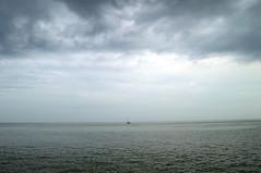 La Tempestad (Tomás Hornos) Tags: boat bote barco d3200 almuñécar mediterranean mediterráneo mar sea tempestad tormenta cielo clouds nubes agua bahía océano storm