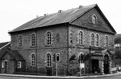 Capel y Tabernacl, Stryd y Bont, Pontypridd, 1861 (Rhisiart Hincks) Tags: bw duagwyn ailtireacht ailtireachd pensaernïaeth architecture cymru wales glamorgan morgannwg pontypridd church eglwys chapel capel