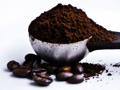 #macromondays  #measurement (BrigitteE1) Tags: macromondays measurement kaffee coffee hmm duft kaffeebohnen coffeebeans coffeeberrys aroma scent messlöffel measuringscoop measuringspoon gemahlenerkaffee groundcoffee makro macro lebensmittel food yummy smell kaffeeduft