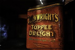 turnwrights toffee delight tin (Mallybee) Tags: xtrans 26mp fujifilmxt3 colourful brighouse wainwright turner bokeh f284 1855mm fujinon turnwrights toffee delight tin old vintage red dark fuji fujifilm xt3 mallybee apsc mirrorless newcamera
