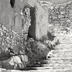 ~Stairs~ (JERRY TAHA PHOTOGRAPHY) Tags: jerrytaha jerrytahatravel travel traveler travelling traveller traveling worldtravel world marokko morocco maroc reizen reis blackandwhite aitbenhaddou desert hollywood ouarzazate movie movies cinema stairs stones d7500 nikon nikond7500 nikkor