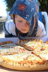 Pizza (quinn.anya) Tags: paul toddler pizza jellystonepark