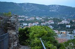 Up Above The Town [Rab - 25 August 2018] (Doc. Ing.) Tags: 2018 rab croatia otokrab rabisland happyisland kvarner kvarnergulf summer mediterraneansea adriatic cityscape nikond5100