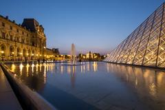 Le Louvre et la Pyramide (zenti66) Tags: paris louvre pyramide reflections colours water blue hour lights