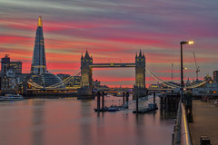 Strisce rosse / Red Stripes (Tower Bridge, London, United Kingdom) (AndreaPucci) Tags: towerbridge london uk sunset thames theshard andreapucci