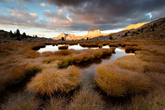 LES EAUX TORTES (Guizzosoprano) Tags: canon canon1635f4isusm canon5dmiv alpes ubaye sunset nature landscape eau montagne herbe mountains river rivière
