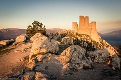 La rocca (SDB79) Tags: rocca castello roccacalascio montagna abruzzo tramonto sole viaggio