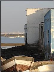 Gallineras (Manuisla) Tags: la titi gallineras comida pescado sendero manuisla camarón barcos agua sal isla san fernando cádiz fotografía azul luz