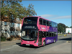 UNO 287 on Park and Ride (Jason 87030) Tags: 18 foxglove uno mmc doubledecker stjamesmillroad sony northants northamptonshire town roadside northampton sixfields parkandride pink purple 287 yx67vfr september 2018 shot alpha a6000 ilce nex bus publictransport uni uon everyone service route bee pretty flowers color colour