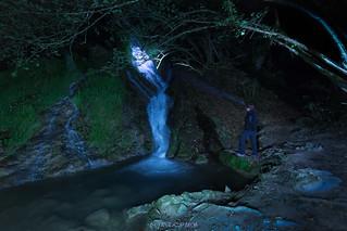 Nocturna en la cascada de Berganzo