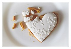 broken heart... (green_lover (I wait for your COMMENTS!)) Tags: cookie food sweets cracked smileonsaturday white frame heart