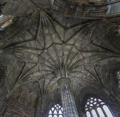 Elgin Cathedral Chapter House (Mac ind Óg) Tags: elgin summer scotland moray church vault elgincathedral roof dome column ruin holiday cathedral