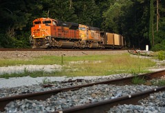 bNSf Coal Empties (weshendrix) Tags: norfolk southern ns train railfan railfanning railroad rr freight coal hiram atlanta georgia ga north end sunset evening outdoor weather sun emd bnsf sd70ace diesel engine locomotive vehicle
