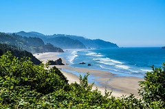 Oregon Coast (Udo S) Tags: beach oregon coast ocean sky landscape trees mountain usa amerika urlaub vacation colors farben
