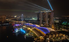 Level 33, Singapore (reinaroundtheglobe) Tags: singapore marinabay marinabaysands longexposure night nightphotography city cityscape highangleview aerialview road waterfront luxuryhotel asia modernarchitecture architecture building tallhigh