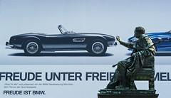 Freude ist BMW / München Max-Joseph-Platz (Bernd Götz) Tags: münchen opernplatz bmw werbung leicam8 maxjosephplatz denkmalfürkönigmaxijoseph