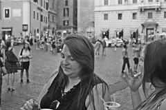 Friends (Campanero Rumbero) Tags: rome roma italy italia monocromo bn city ciudad travel turismo trip mujer mujeres friends amigos amigas europe europa street calle rostros caras portrait