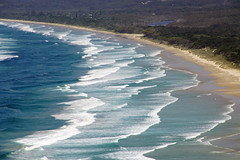 Tallow Beach (little_frank) Tags: tallowbeach pacificocean australia newsouthwales byronbay capebyron downunder waves sea shore shoreline coast coastline foam sand sandy wild wilderness curve nature geometry view landscape waterscape scenery natural fantastic beautiful majestic paradise winter spectacular overview geography special landmark destination outlook nsw australie australien オーストラリア 호주 澳大利亚 австралия emerald sapphire incredible
