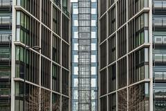 One Hyde Park (ARTUS8) Tags: symmetrie pattern nikon28300mmf3556 fenster muster flickr linien modernearchitektur nikond800 fassade