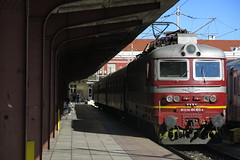 Varna - 44.185 (BDZPP), express train Varna - Plovdiv (lyura183) Tags: bulgaria varna train station bdz bdž българия варна влак гара бдж skoda škoda