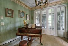 IMG_7438_39_40_41_42_43_tonemapped (Městský průzkum) Tags: urbex abandoned piano decay lost france francie urban explorer manoir old ruin luxury
